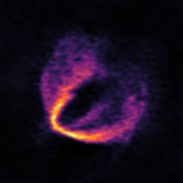 ALMA ha descubierto evidencia convincente de que tres planetas jóvenes están en órbita alrededor de la joven estrella HD 163296