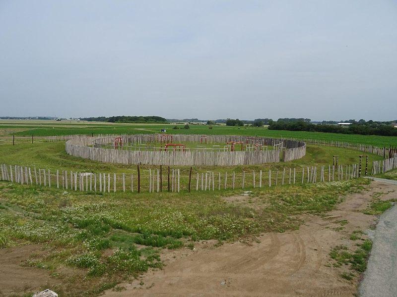 Reconstrucción de la trinchera circular de Pömmelte.