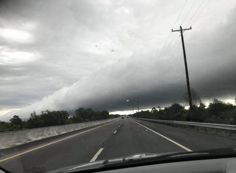 Grandes eventos atmosféricos y desastres naturales - Página 5 Nube-tubular-1-800x586