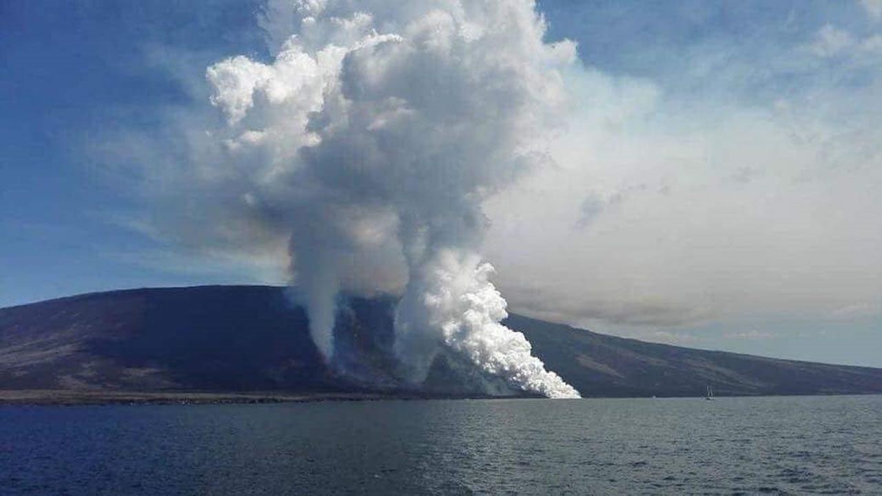 Volcán La Cumbre en Islas Galápagos entra en erupción