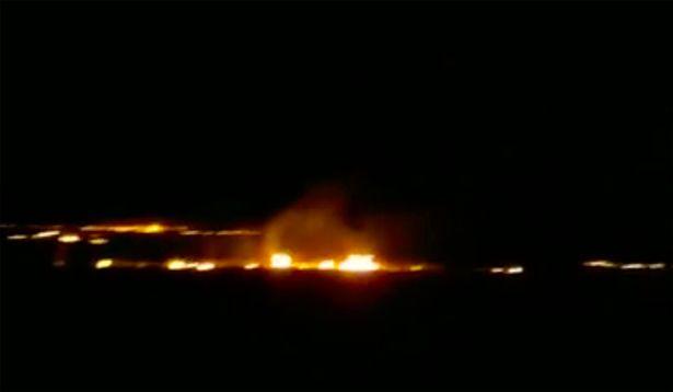 El aterrizaje forzoso encendió un incendio en la estepa reseca