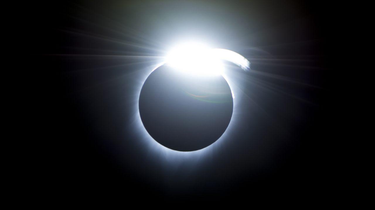 Detectan misteriosas estructuras nunca antes vistas en el Sol