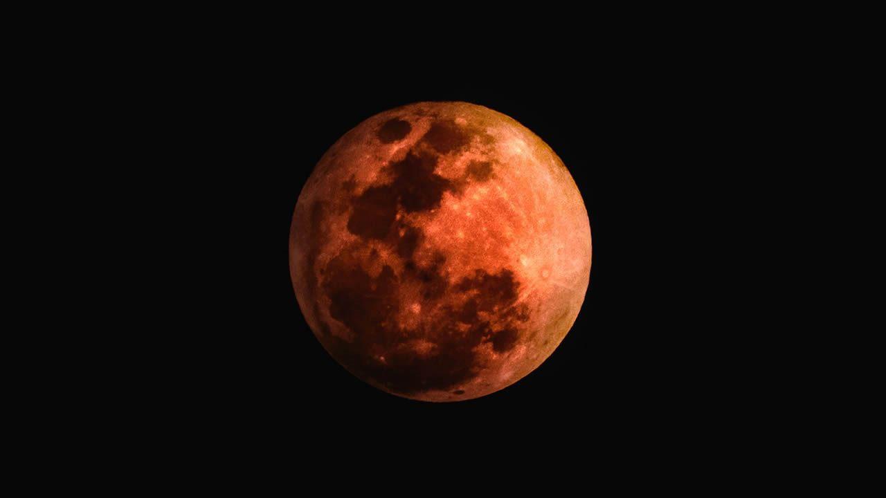 Luna de Sangre: Mira ahora el eclipse lunar más largo del siglo