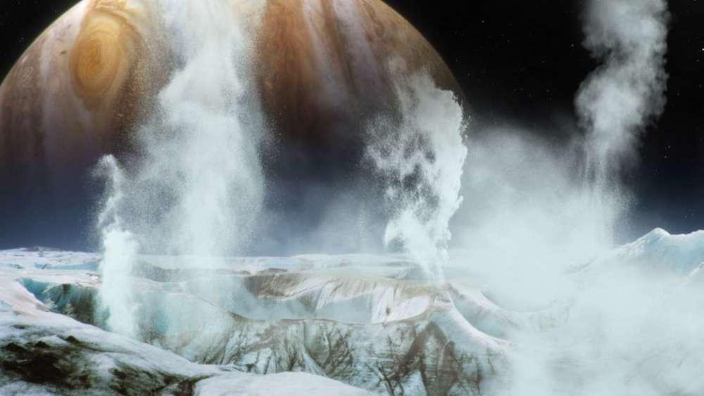 Luna Europa lanza material hacia el espacio de forma continua