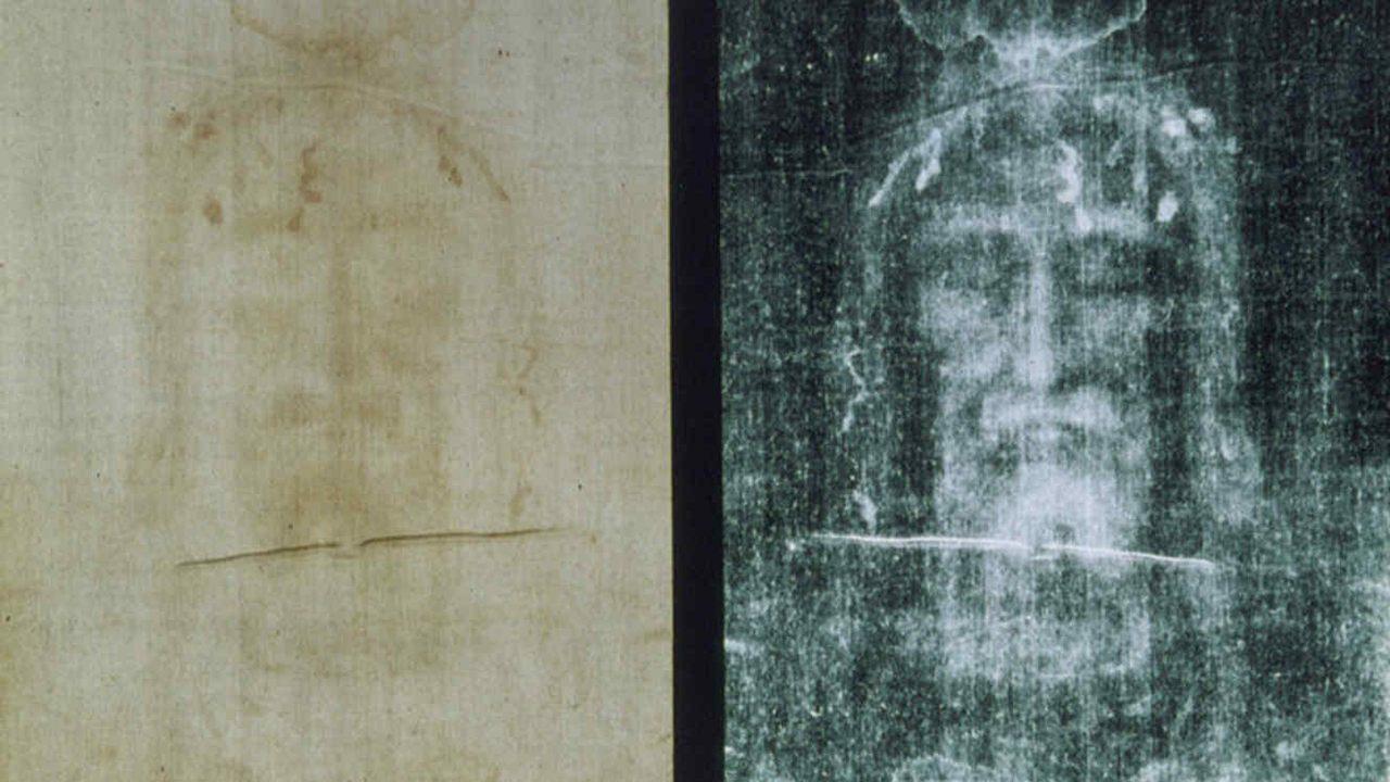 Manchas de sangre en Sudario de Turín serían falsas, sugiere un nuevo estudio