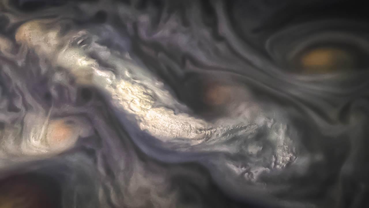 Publican una «espeluznante» fotografía de las nubes de Júpiter