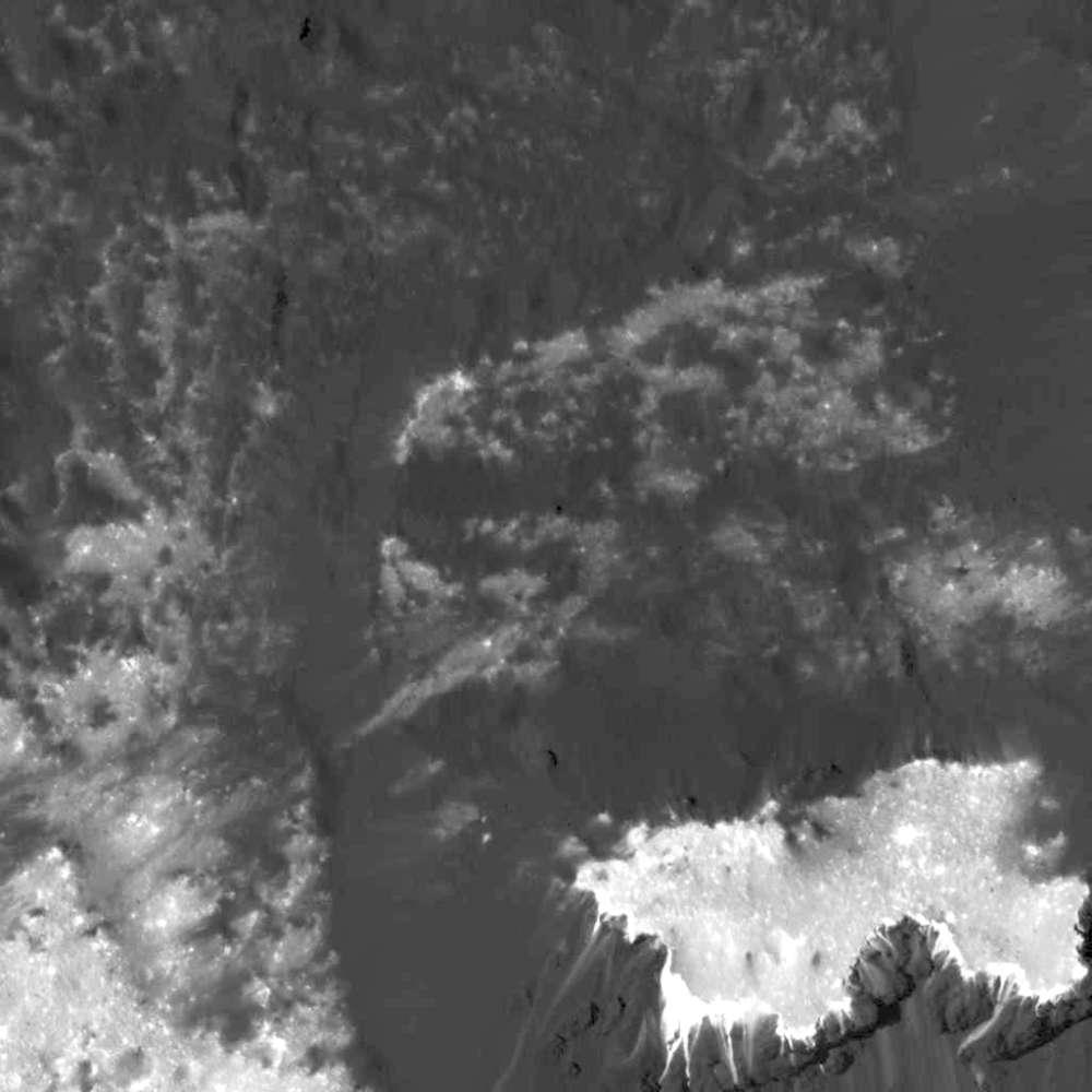 Un prominente montículo ubicado en el lado occidental de Cerealia Facula, el más grande de los puntos brillantes
