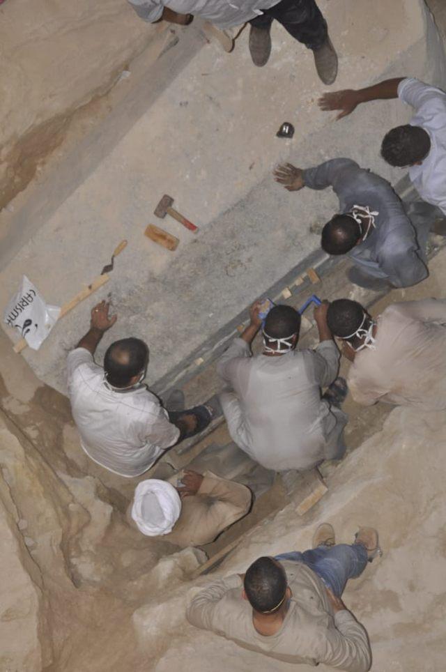Vista desde arriba del interior del sarcófago