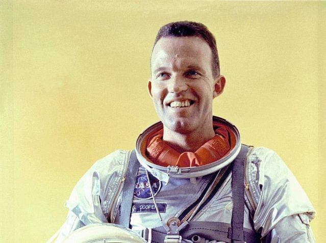 Gordon Cooper creía firmemente en el fenómeno OVNI y en la existencia de especies extraterrestres.