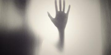 Científicos explican cómo el ojo humano ve imágenes fantasmas