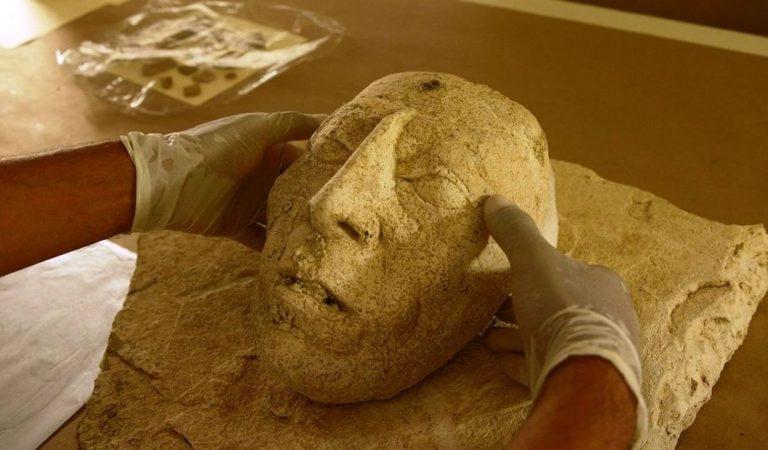Pakal: Hallan impresionante máscara de estuco del gobernante maya