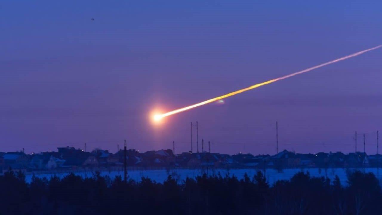 Meteorito explota con 2.1 kilotones sobre base de la Fuerza Aérea de EE.UU. en Groenlandia