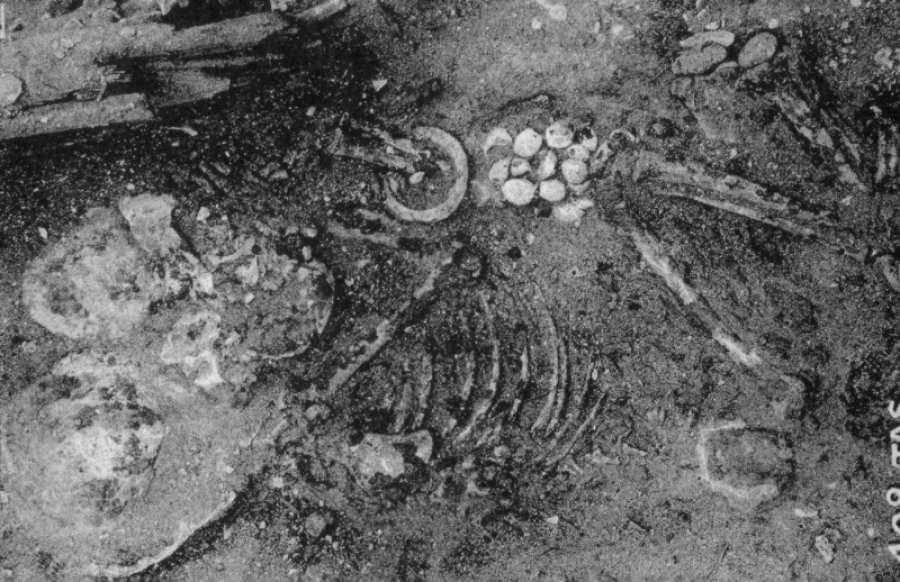 Un estudio anterior que realizó una datación por radiocarbono en momias de un cementerio prehistórico en la región superior del antiguo Egipto encontró rastros de productos químicos de embalsamamiento usados 1.500 años antes de lo que se creía