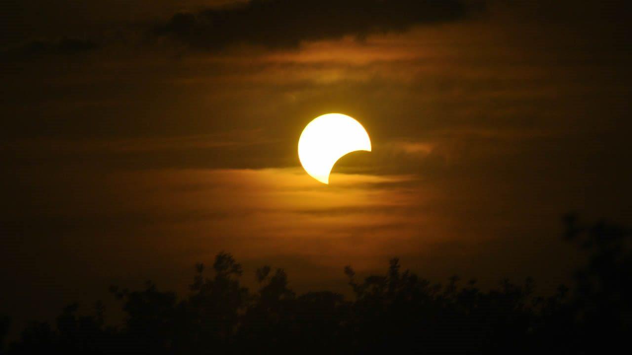 Un eclipse solar ocurrirá este sábado, y será el último del año