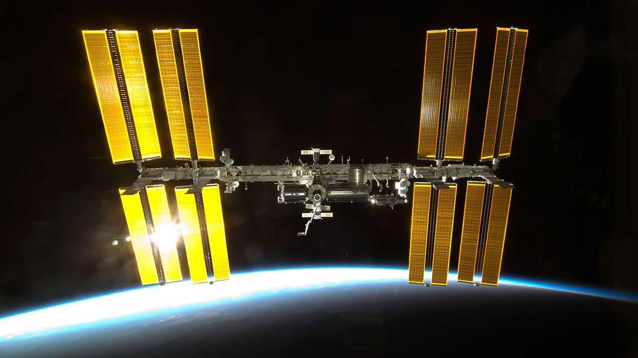 Una fuga amenaza a la Estación Espacial Internacional