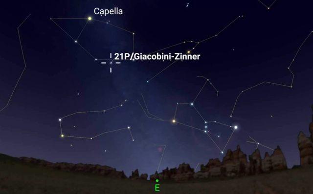 Ubicación aproximada del cometa 21P/Giacobini-Zinner durante su aproximación más cercana a la Tierra, el 10 de septiembre de 2018, a las 2:27 A.M. EDT (06:27 GMT), visto desde la ciudad de Nueva York. Capella es la estrella más brillante de la constelación Auriga