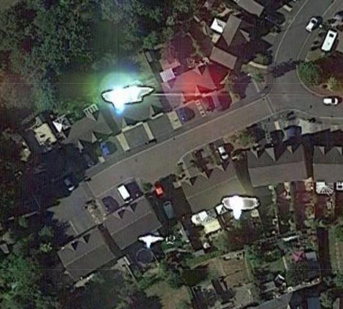 Imagen de Google Earth que muestra las extrañas luces deslumbrantes.
