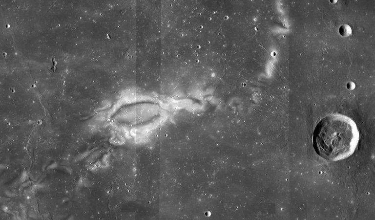 Científicos hallan el origen de misteriosos patrones en la superficie de la Luna