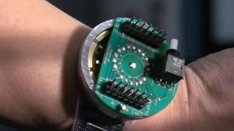 Desarrollan dispositivo que genera energía de las vibraciones del cuerpo humano