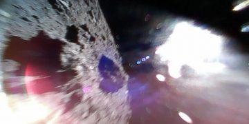 ¡Lo lograron! Dos pequeños robots aterrizan con éxito en el asteroide Ryugu