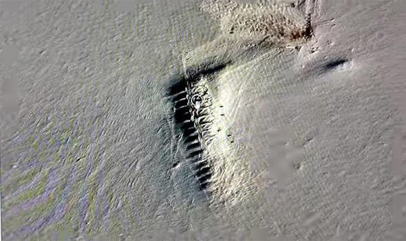Misterio antártico: ¿qué es esta estructura de 2 kilómetros enterrada en el Polo Sur?