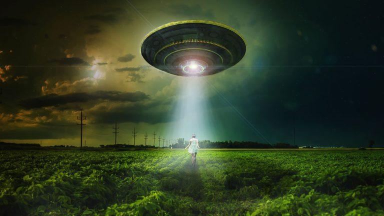 «La consistencia es una gran confusión», profesor universitario habla sobre abducciones extraterrestres