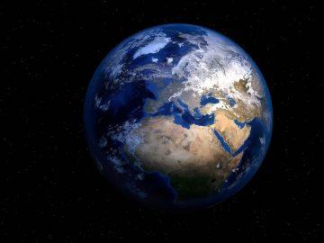 La Tierra se tambalea al girar, y ahora los científicos saben por qué