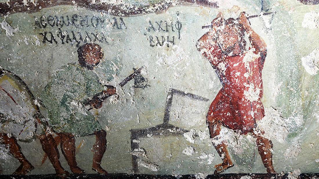 Arqueólogos desconcertados por hallazgo de murales estilo «cómic» en una tumba grecorromana