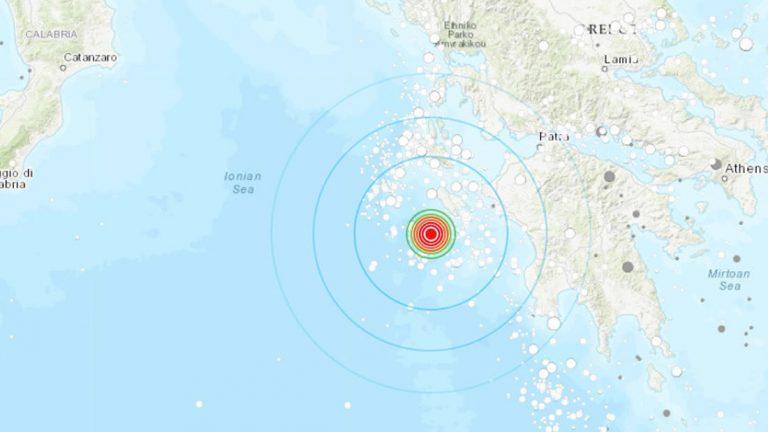 Fuerte terremoto sacude Grecia y otros 8 países causando alerta de tsunami
