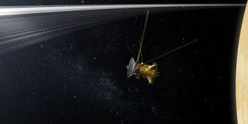 La «lluvia de anillos» en Saturno posee compuestos orgánicos y es más intensa de lo pensado
