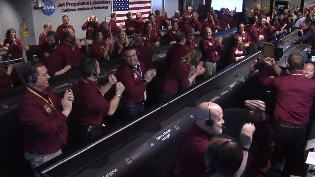 El equipo de la misión a Marte festeja por la llegada de Insight a la superficie de Marte