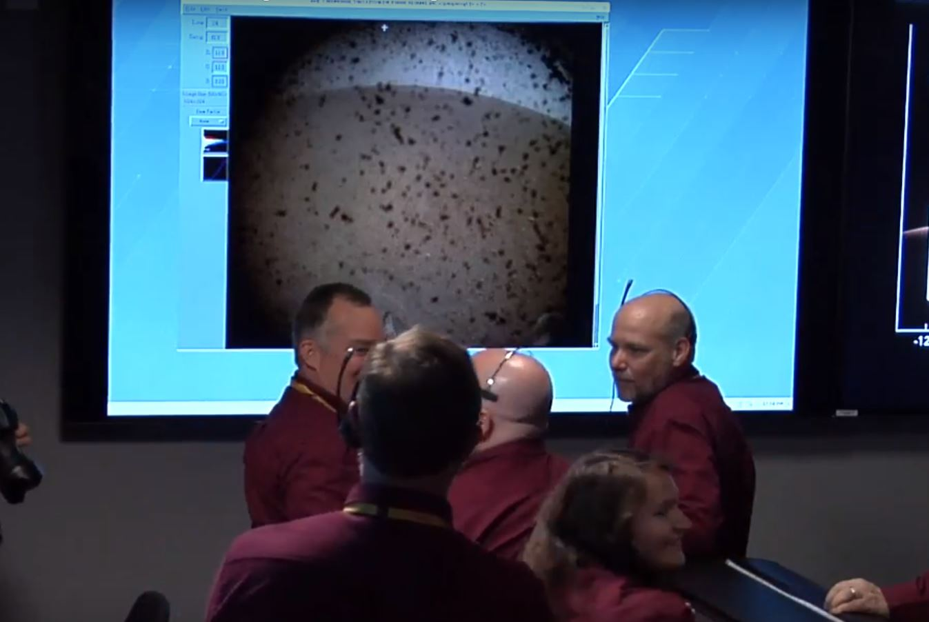 Esta es la primera imagen que Insight envía a la Tierra, ¡desde Marte!