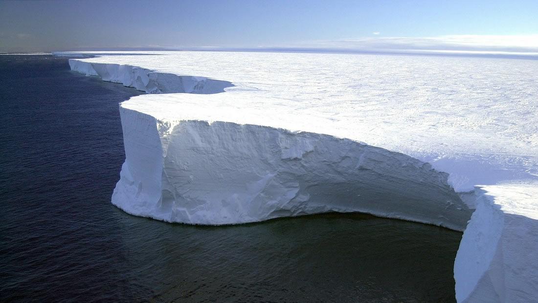 Algo desconocido y extremadamente caliente acecha bajo el hielo de la Antártida