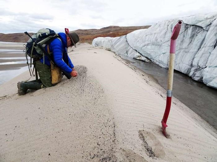 Kjaer recolectó muestras del agua de deshielo en 2016