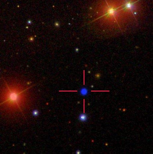 Imagen en color de la enana blanca GALEXJ014636.8+323615 de Sloan Digital Sky Survey