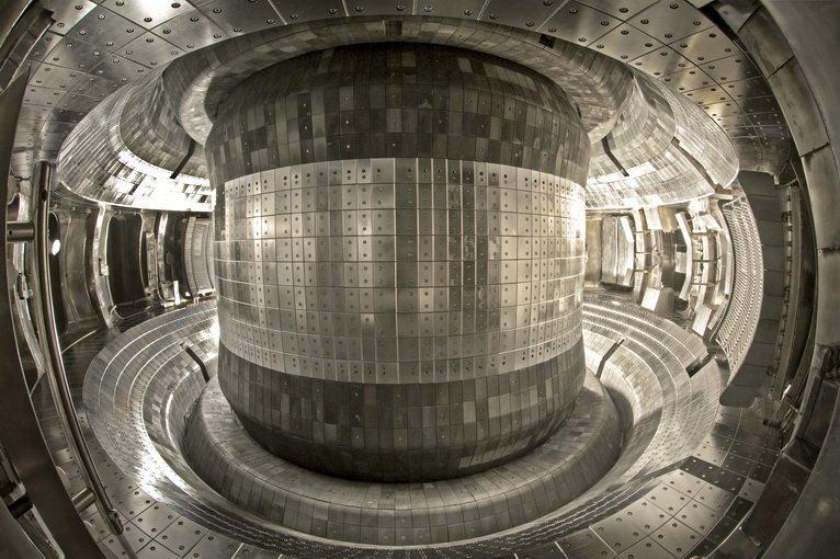Reactor EAST de China