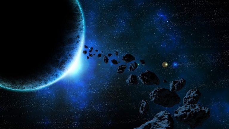 Tres grandes asteroides pasarán cerca de la Tierra en un solo día