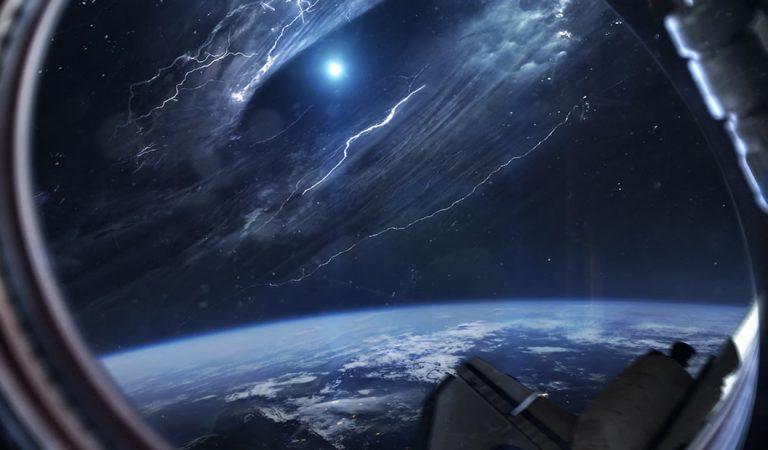 Ufóloga: «Algo viene a la Tierra desde 2.5 billones de años luz de distancia»