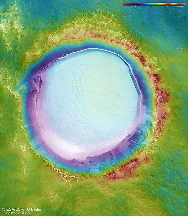 Mapa topográfico codificado por colores del cráter Korolev