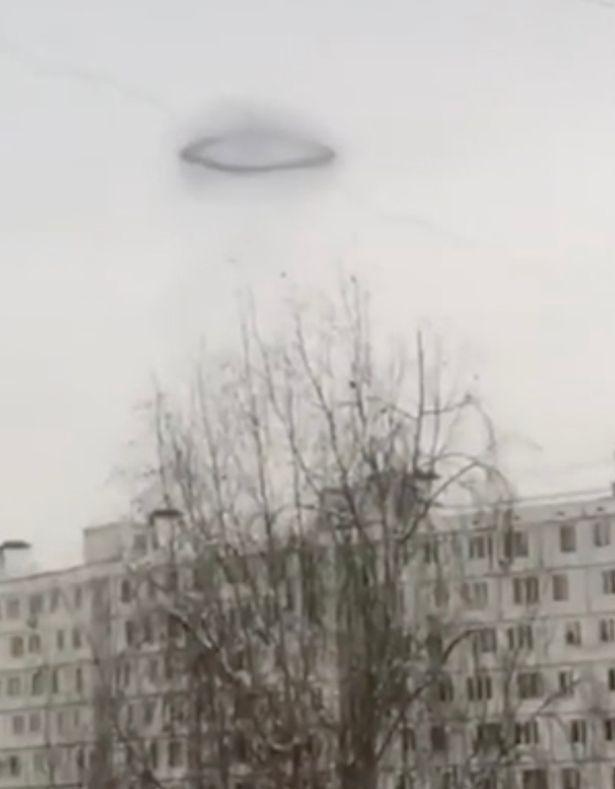 Extraño anillo negro visto en Rusia