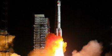 China lanza su misión Chang'e 4 al lado oculto de la Luna