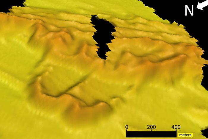Estas imágenes recopiladas utilizando el sonar revelaron la forma y la extensión del tramo de dunas de 70 kilómetros