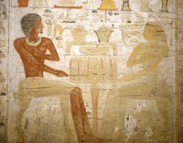 Esta pintura encontrada en la tumba también parece mostrar a Wahtye y su esposa Nin Winit Ptah