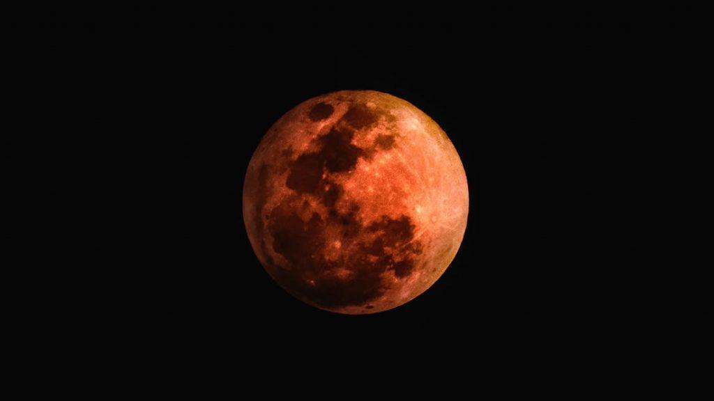 Una superluna y un eclipse total «luna de sangre» coincidirán muy pronto en el cielo