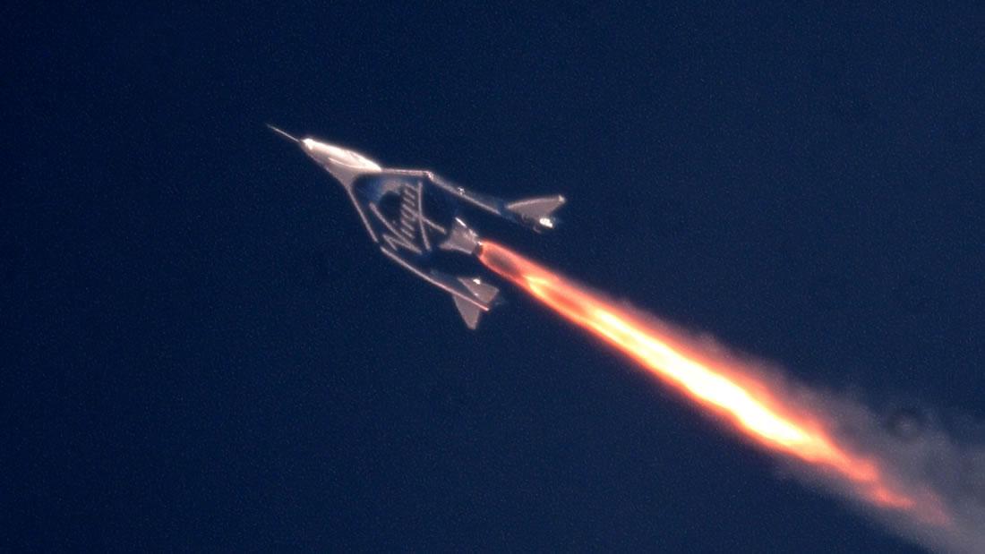 Virgin Galactic «hace historia» por ir al espacio con humanos a bordo