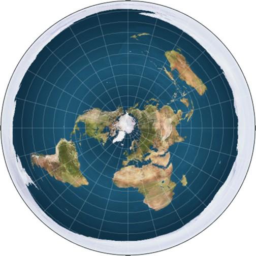 De acuerdo a los terraplanistas, un muro de hielo (Antártida) rodea a la Tierra. Al menos, el crucero no caerá al abismo imaginario.