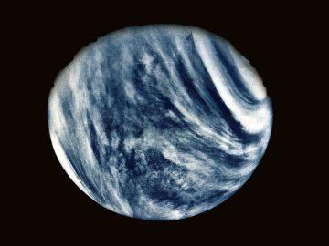 Astrónomos hallan patrones extraños en las nubes de Venus