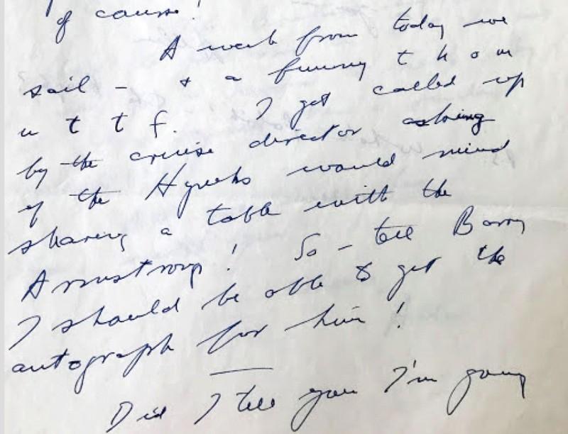 Esta carta nunca antes vista muestra cómo Armstrong invitó al investigador OVNI J. Allen Hynek a unirse a él para cenar