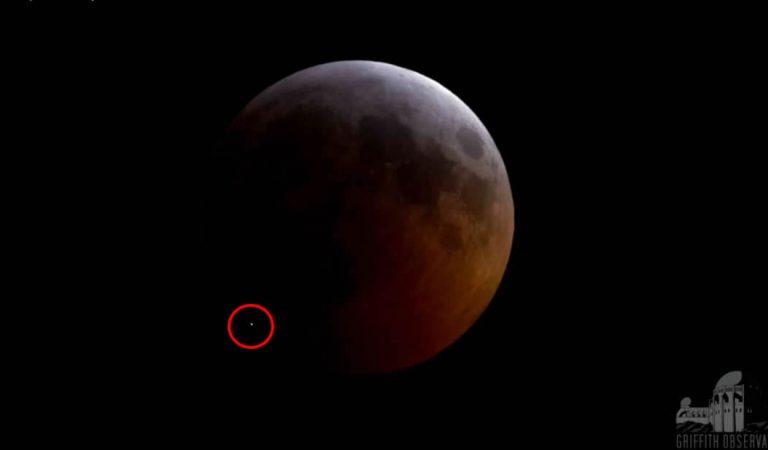 El meteorito que golpeó la Luna durante el eclipse lunar causó una gran explosión y un cráter de varios metros