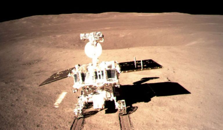 El rover Yutu 2 de China podría estar buscando combustible interplanetario en la Luna
